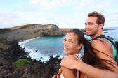 Hiking - travel couple tourist on Hawaii hike — Stock Photo