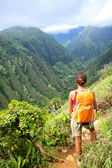 Hiking woman on Hawaii, Waihee ridge trail, Maui — Stock Photo