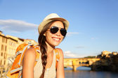 Backpacking women traveler in Florence — Stock Photo