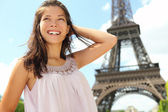 Paris travel woman tourist at Eiffel tower — Stock Photo
