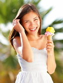 Ice cream girl — Stock Photo