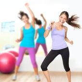 Aula de zumba fitness dance studio — Foto Stock