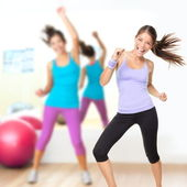 Fitness dans studio zumba klass — Stockfoto