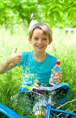 Boy showing thumbs up — Stock Photo