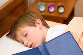 Dobranoc na mały uczeń — Zdjęcie stockowe