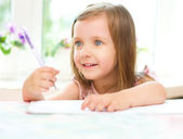 Child writing — Stock Photo