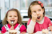 Kids eating — Stock Photo
