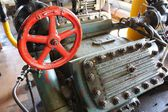 Gate valve red hand-wheel — Fotografia Stock