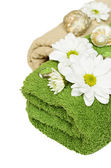 Towels with daisies — Stock Photo