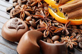 Fragrant spices, coffee and chocolate sweets — Stock Photo