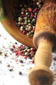 Peppercorns to be crushed to kitchen elaboration — Stock Photo
