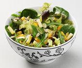 種子とチーズのサラダ — ストック写真
