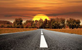 Road to the sunset — Stock Photo