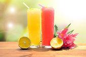 Strawberry and lemon smoothie — Stock Photo