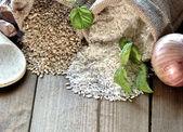 White rice and brown rice — Stock Photo