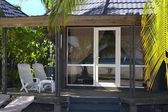 Tropical bungalow — Stock Photo