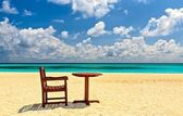Chairs and table are on the beach — Stock Photo