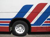 červené, modré a bílé autobus — Stock fotografie