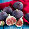Figs on rustic table — Stock Photo