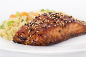 Balsamic and sesame salmon — Stock Photo