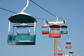 Chairlift blue sky — Stockfoto