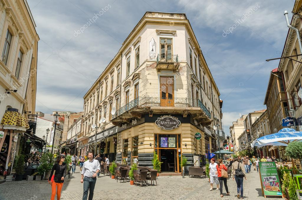 Bucharest Town Editorial Image Image Of Bucharest: Tourists Downtown Bucharest
