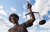 Standbeeld van justitie — Stockfoto