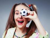 フットボールのファンの美しい若い女の子 — ストック写真