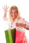 買い物袋でティーンエイ ジャーの女の子 — ストック写真