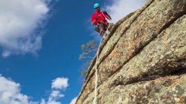Man on Cliff — Stock Video