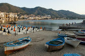 Rowboats on the beach of Cefalu, Italy — Stock Photo