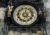 Han astronomiska uret i prags gamla stadshuset med — Stockfoto