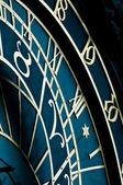 Astronomiska uret, prag, tecken på zodiaken — Stockfoto