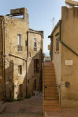 Alleyway with stair in Agrigento, Sicily.  — Stock Photo
