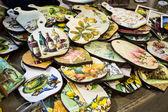 De madeira coloridos cortar placas de exposição — Foto Stock