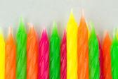 一大堆五颜六色的生日蜡烛 — 图库照片