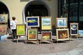 Exhibition of paintings outdoors — Stock Photo