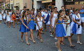 People with clothes of ancient Rome, parade — Stock Photo