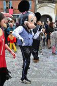 Karnaval geçit. Mickey mouse — Stok fotoğraf