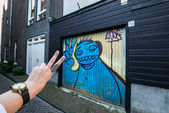 High five on Amsterdam streets — Stock Photo