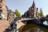 Traditional dutch architecture nd canals, Amsterdam — Stock Photo
