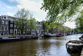 A canal in Amsterdam — Stockfoto