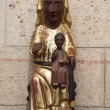 Romanic statue of black virgin mary at romanic church — Foto de Stock