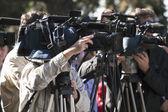 Ein ereignis mit einer video-kamera abdecken — Stockfoto