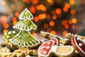 пряники с свет рождества — Стоковое фото