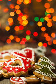 Gingerbread cookies with christmas light — Stock Photo
