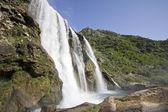 Krcic cachoeira, próximo a cidade de knin, croácia — Fotografia Stock
