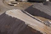 石骨料公路建设的一大堆 — 图库照片