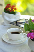 Coffee and bouquet — Foto Stock