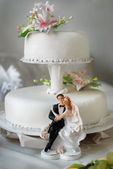 White wedding cake — Stockfoto